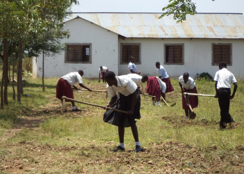 nyathorogo-keeping-the-grounds-clean